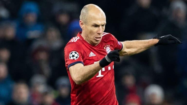 La rara lesión que mantiene fuera de las canchas a Arjen Robben