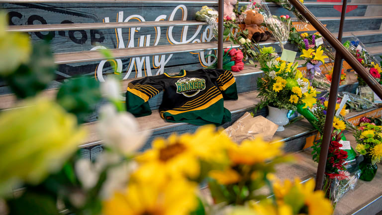Humboldt Victims Remembered in Memorial Service One Year After Crash