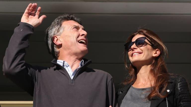 La reacción de Mauricio Macri al ver los penales de Cruzeiro-River en su celular