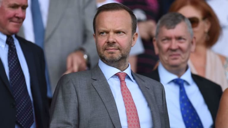 Louis van Gaal Claims Man Utd Chief Ed Woodward Has 'Zero Understanding of Football'