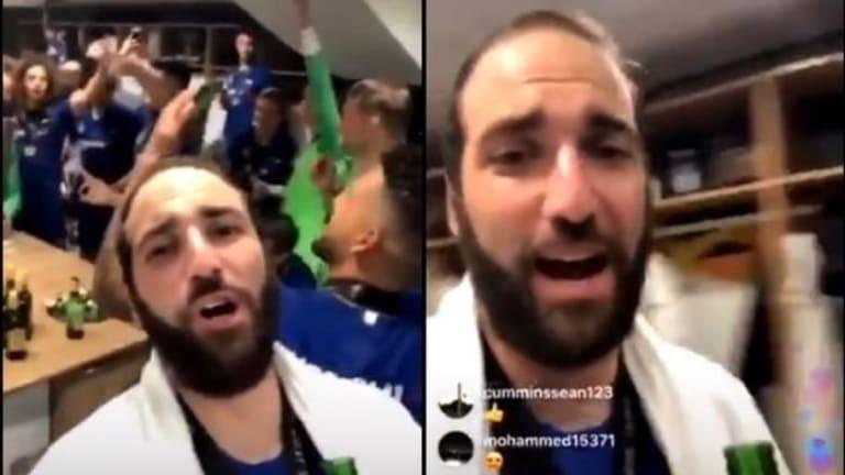 """Higuaín la pifia de nuevo cantando """"We are the champions"""" y las redes lo trollean"""
