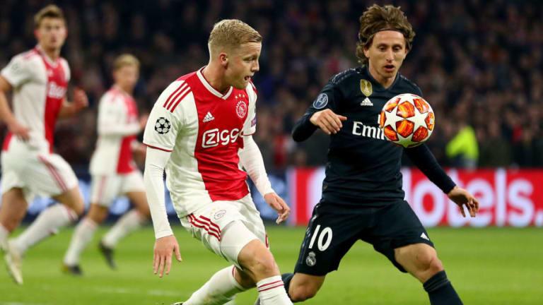 Van de Beek es la alternativa del Real Madrid si no llega Pogba
