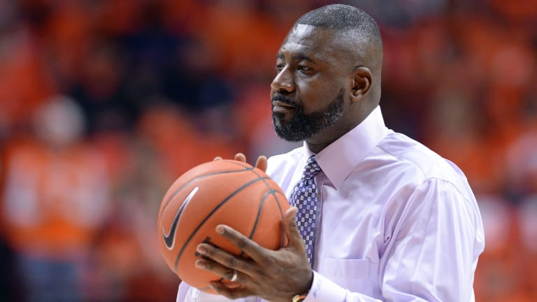 Wisconsin Assistant Howard Moore Won't Coach in 2019-20 After Setback
