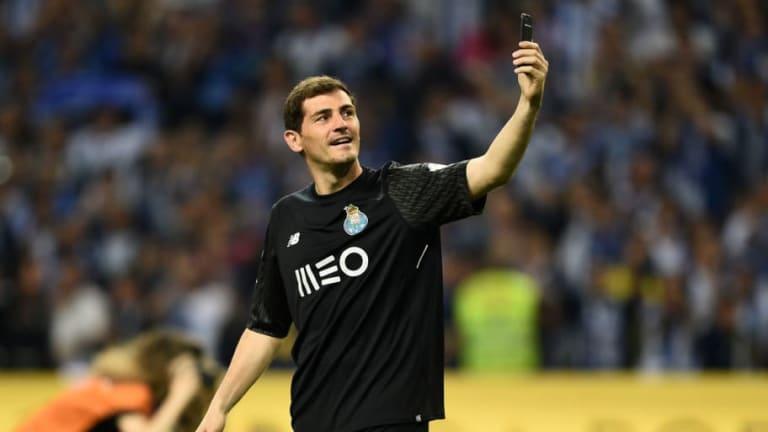 El polémico 'like' de Iker Casillas a un tuit sobre un colaborador del 'Chiringuito'