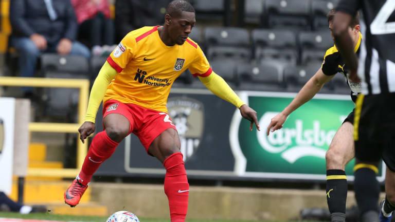 Futbolista inglés decidió 'colgar las botas' por recibir acoso y racismo
