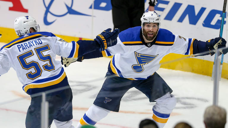 Pat Maroon's Winner Caps Off Wild Third Period as Blues Prevail Over Stars for 2-1 Series Lead
