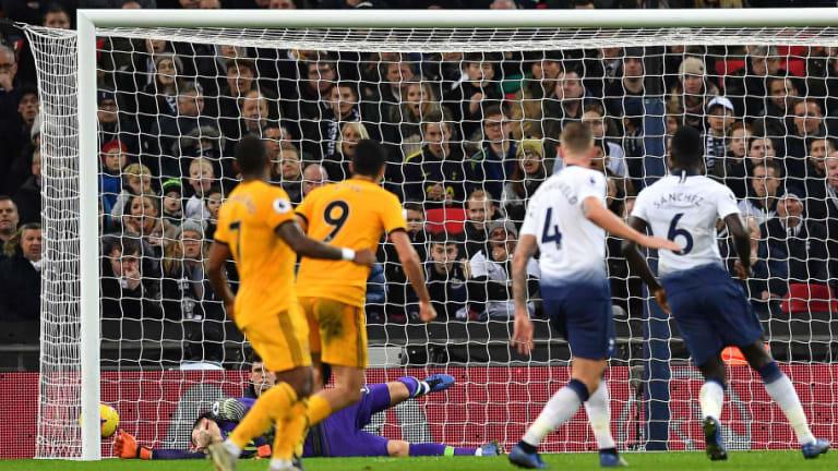 Raúl Jiménez cierra el año con gol contra el Tottenham