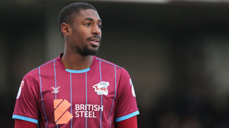 Bristol City Confirm the Signing of Highly-Rated Winger Hakeeb Adelakun From Scunthorpe United