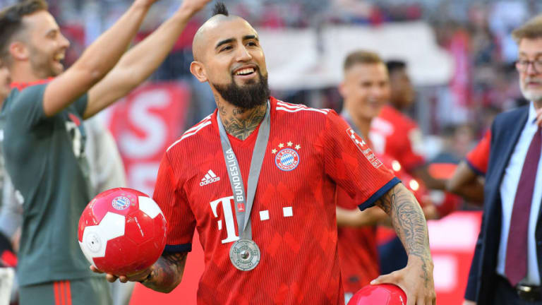 Manchester United Join Italian Giants in Race to Sign Out of Favour Bayern Munich Midfielder