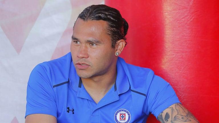 MALARIA   Gullit Peña sigue sufriendo en su paso con Cruz Azul