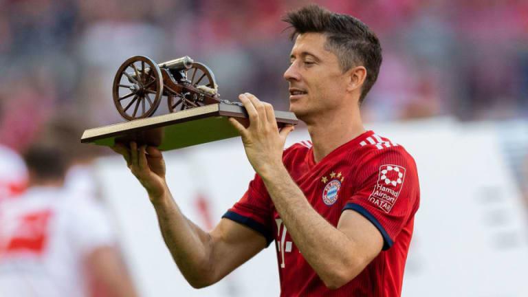 Chelsea & Man Utd Make Contact With Robert Lewandowski's Agent Amid Rumours of Bayern Exit