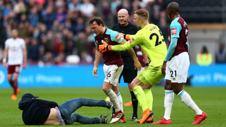West Ham Captain Mark Noble Sends Message to Fans After Protests & Pitch Invasion at London Stadium