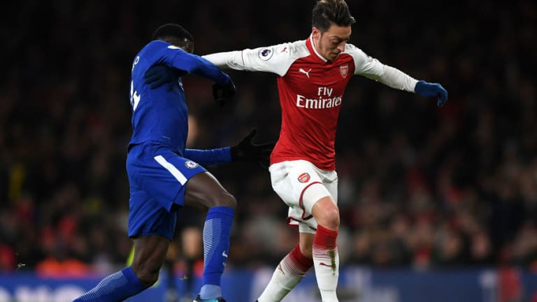 Arsenal Legend Praises Playmaker Mesut Ozil Amid Continued Speculation Over His Future