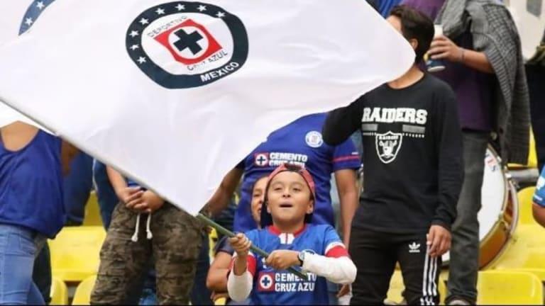 """Ídolo   Suspenden a un niño fan de Cruz Azul de la primaria por """"seguir con la fiebre del partido"""""""