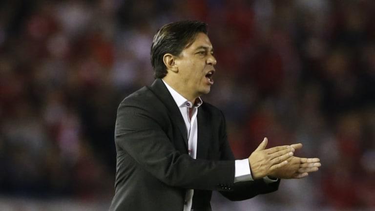 ¿LO CONVENCERÁ?   Los detalles de la posible reunión Angelici-Gallardo para la Selección Argentina