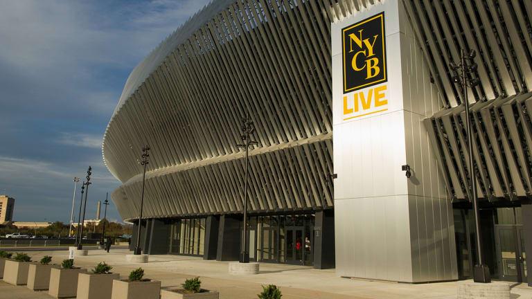 Islanders to Split Games Between Nassau Coliseum, Barclays Center