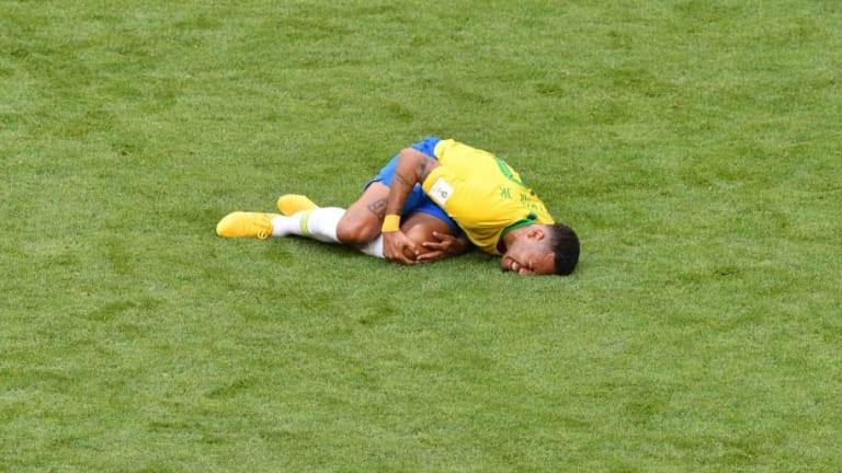 Un estudio revela el tiempo que ha estado tirado Neymar en el suelo durante el Mundial