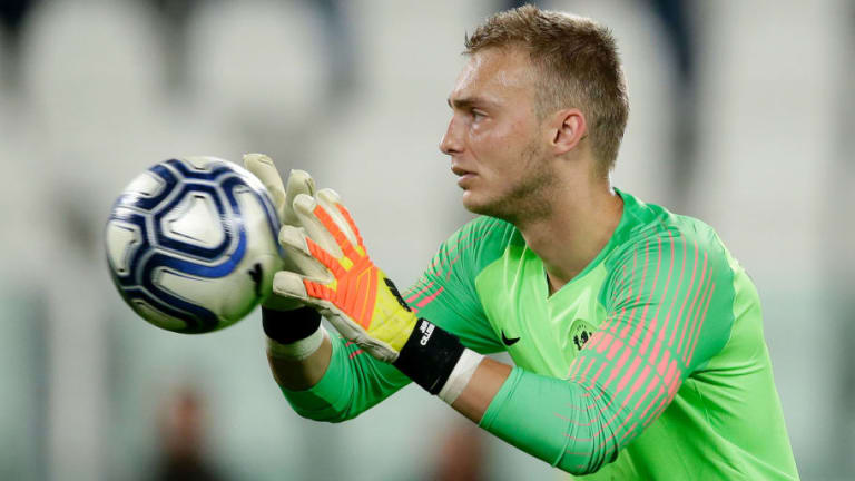 Barcelona Stopper Jasper Cillessen Set to Leave Camp Nou as Spanish Giants Offer Cut Price Deal