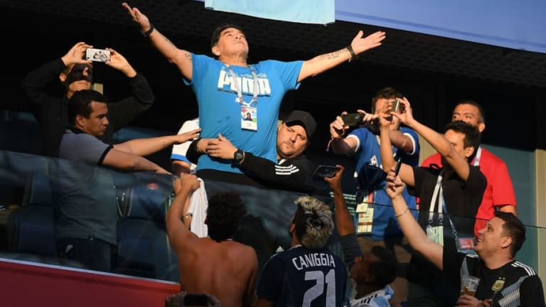 'Please Don't End Up Like Elvis!': Former International Footballer Warns Maradona