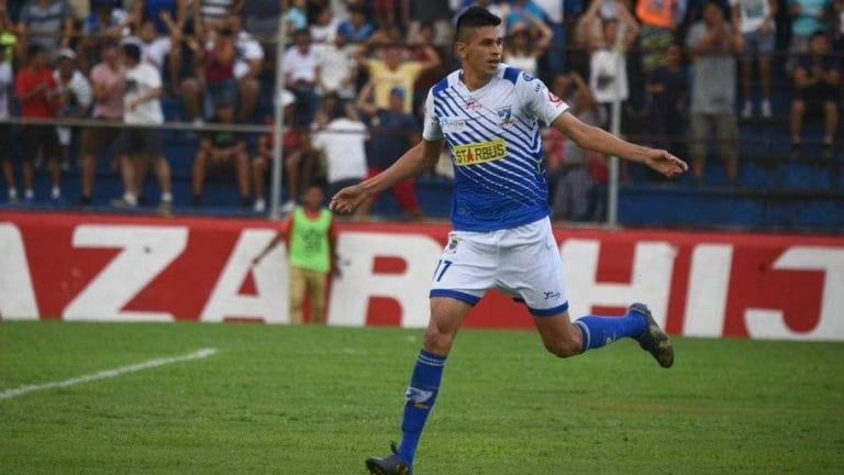 EMOTIVO | Afición de Guatemala entonó el Himno Nacional Mexicano por su goleador azteca