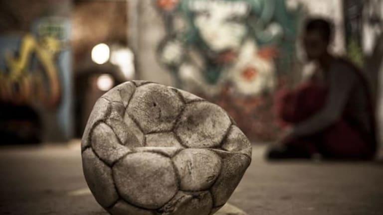 TE DEJAMOS SOLA | Carta abierta a la pelota