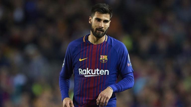Report Claims Barcelona Midfielder Andre Gomes Eyes Valencia Return Despite Spurs Interest