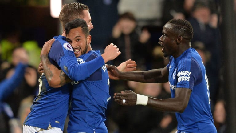 Everton 2-1 Leicester City: Toffees Newboy Theo Walcott Steals the Show With First-Half Brace