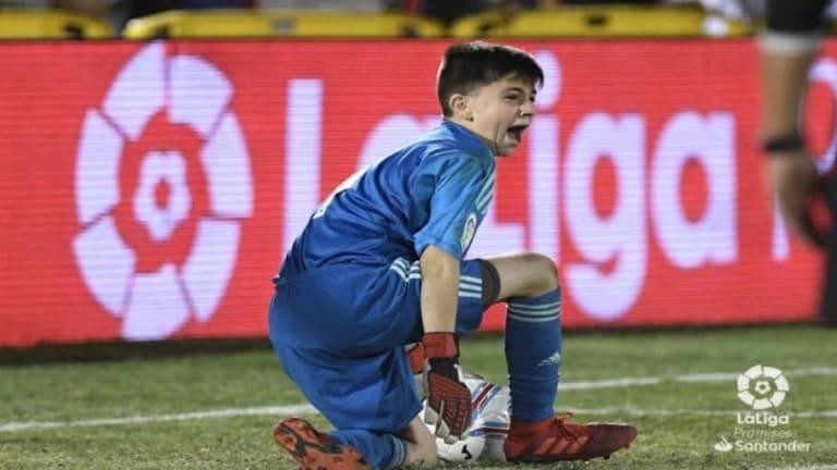 La increíble doble parada del portero del Real Madrid en la final de LaLiga Promises
