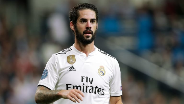 Real Madrid Manager Santiago Solari Dismisses Reports of Bust-Up With Midfielder Isco