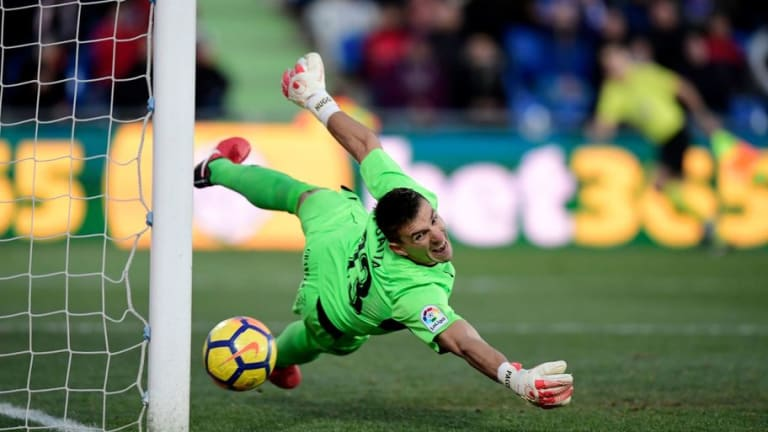 Vicente Guaita Will Become a Palace Player in July But Speroni Injury Limits Keeper Options