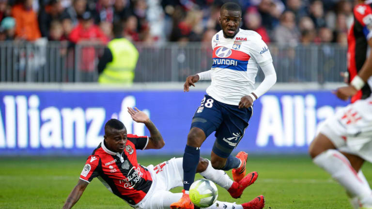 Arsenal to Rival Tottenham for French Midfielder as Talks With Lucas Torreira Stall