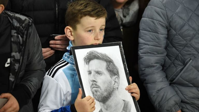 Argentina Coach Says World Cup Is 'Gun to Messi's Head' As Russia Tournament Looms
