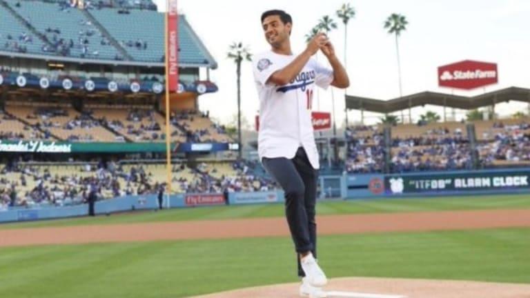 ESPECTÁCULO: Carlos Vela lanza la primera bola de los Dodgers vs Marlins   ¿Cómo le habrá ido?