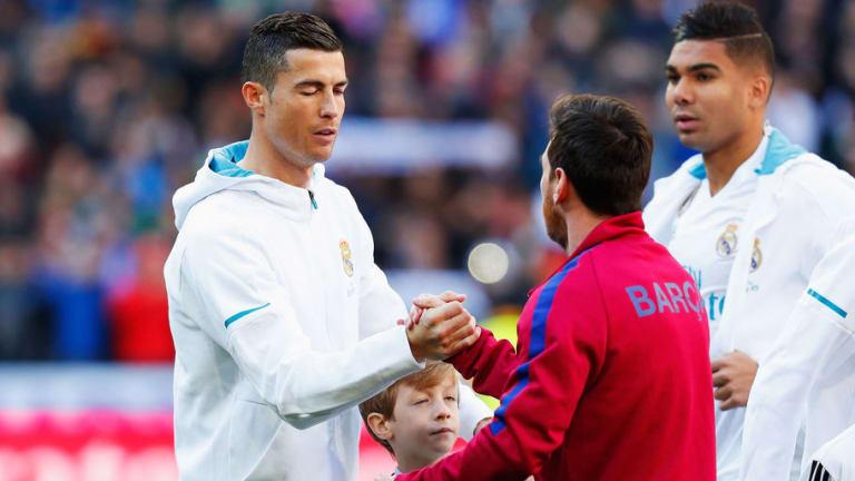 ¿QUIÉN GASTÓ MÁS?   El precio total de la plantilla del Barcelona y del Real Madrid
