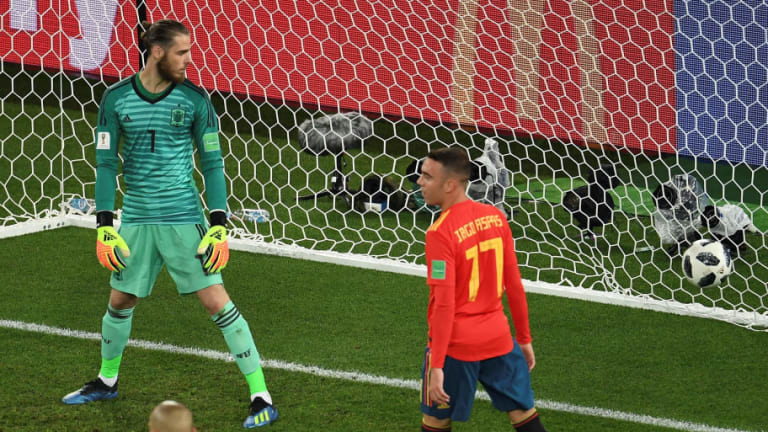 Spain Boss Considers Benching David de Gea for World Cup Last 16 Tie in Bid to Solve Leaky Defence