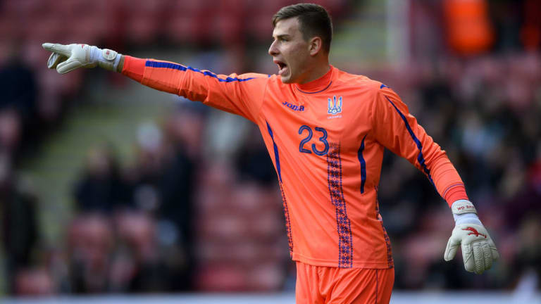 Leicester Make Contact With Teenage Goalkeeping Sensation Ahead of Potential Summer Move