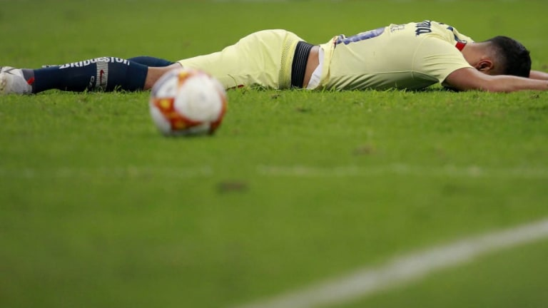 MALAS NOTICIAS | La estrella del América que se perdería el Clásico Nacional por lesión