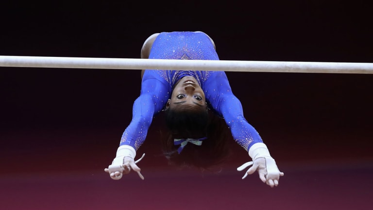 Simone Biles Dominates in World Championships Qualifying Round After Suffering from Kidney Stone