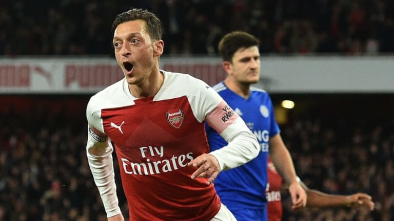 Mesut Ozil Discusses Arsene Wenger and Arsenal's 'Best Young Player' in Revealing Twitter Q&A