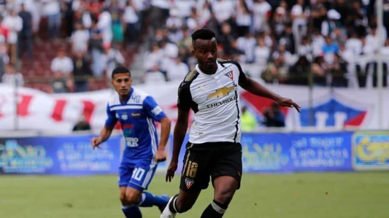 Emelec ofreció 1,7 millones de dólares a Fluminense por Orejuela