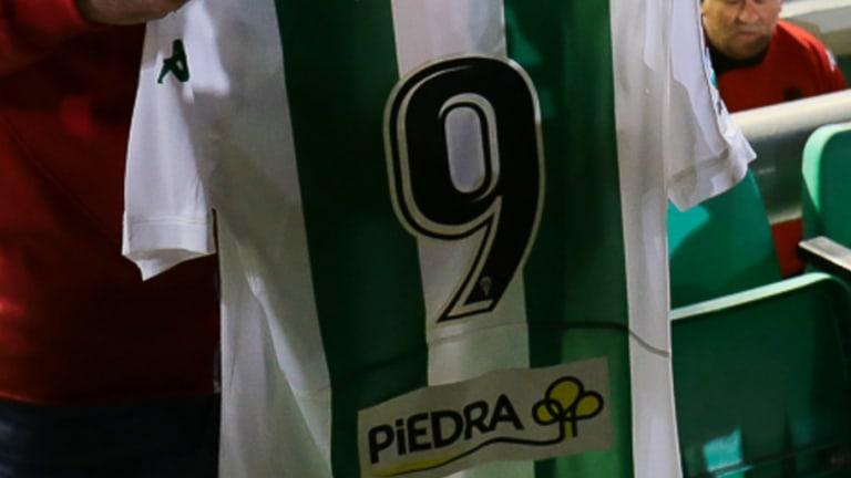 MERCADO   Es el único futbolista con 5 Europa Leagues, ganó Liga y Premier y ahora juega en segunda