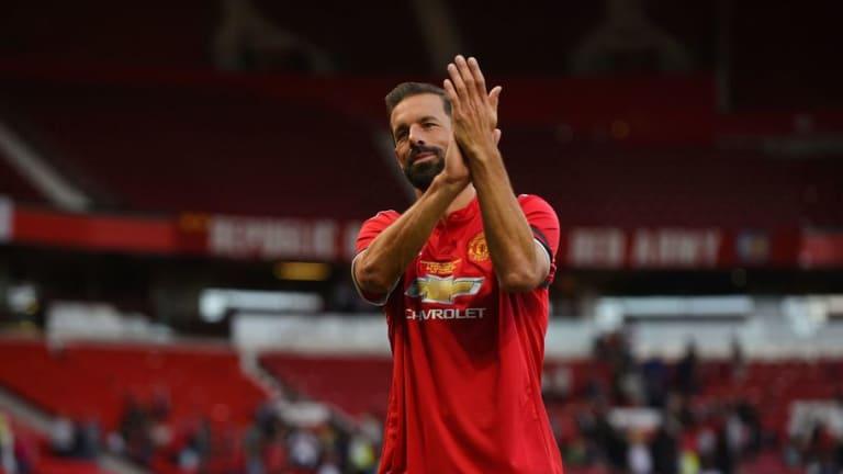 ¡YA SE OLVIDARON DEL CHICHARITO!   Ruud Van Nistelrooy se rinde en elogios por Hirving Lozano