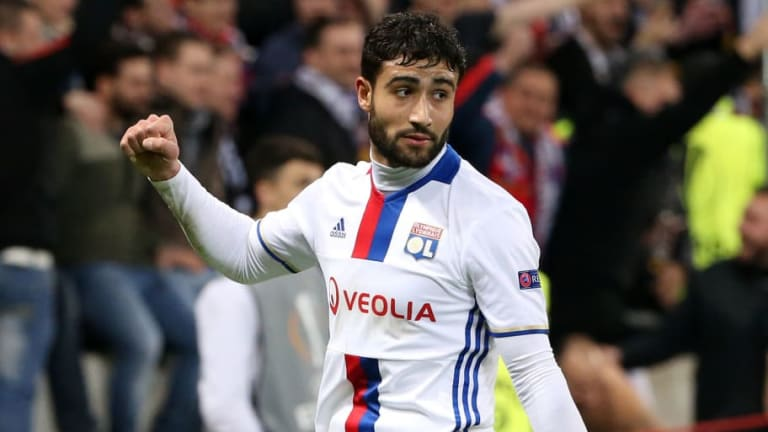 Maurizio Sarri Has 'Personally Called' Liverpool Target Nabil Fekir Ahead of Potential Chelsea Move