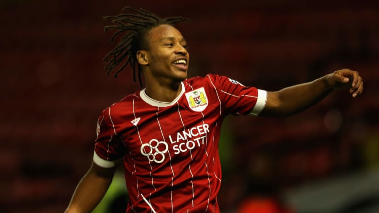 Cardiff Complete Signing of Bristol City Forward Bobby Reid on 4-Year Contract