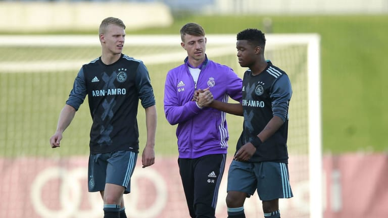 Guti & Zidane Exchange Pleasantries as Former Real Star Reveals He Would One Day Love to Coach Club
