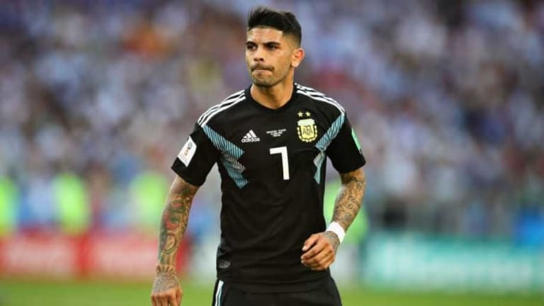 Sevilla Set to Open Contract Talks With Arsenal Target Ever Banega After the World Cup