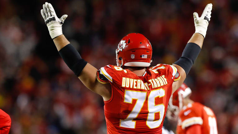 Duvernay-Tardif, M.D.: NFL Should Let the Doctor Have His Jersey