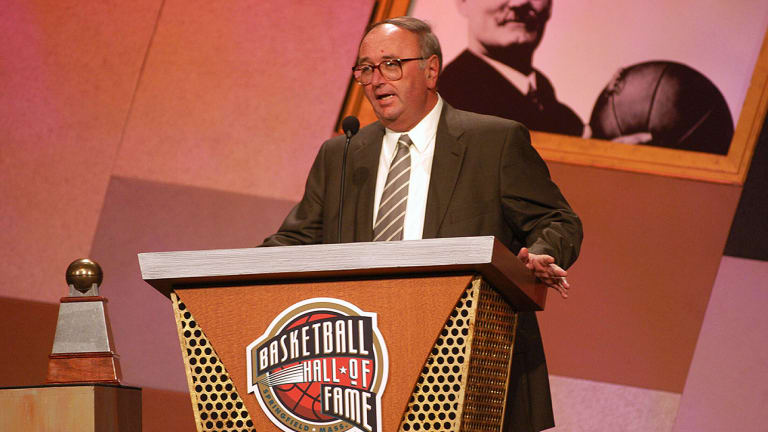 Hall of Fame AP College Basketball Writer Jim O'Connell Dies at Age 64