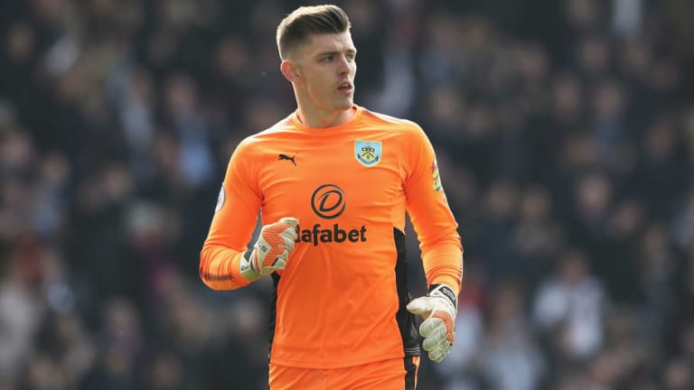 Tottenham Considering Signing Burnley Star to Compete With Under-Pressure Goalkeeper Hugo Lloris