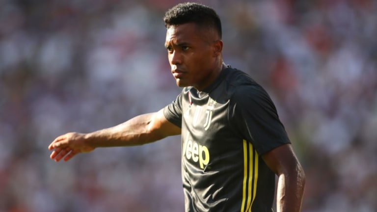 Alex Sandro 'Never Thought About Leaving' Juventus During Summer & Reveals Lack of Contract Talks